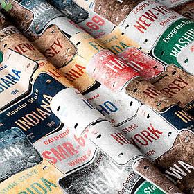 Декоративная ткань с разноцветными изображениями нашивок с названиями штатов США Испания 82888v1