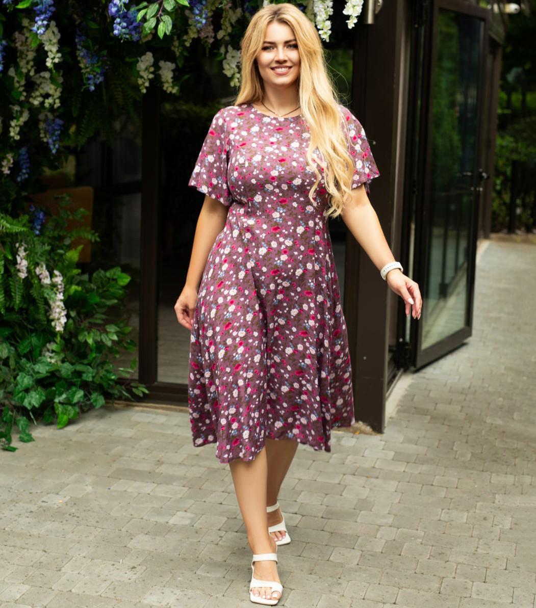 Красиве жіноче плаття з штапеля в квітковий принт
