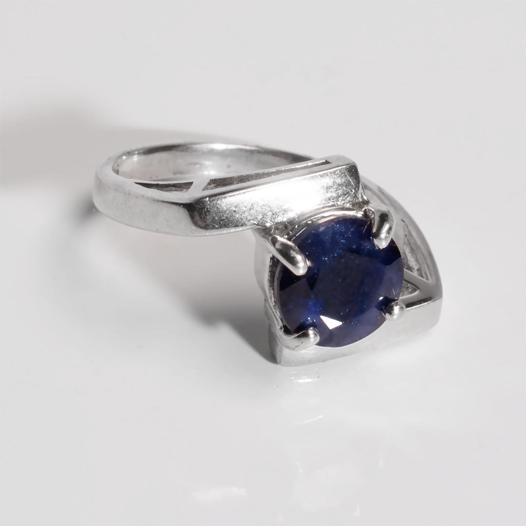 Серебряное кольцо с сапфиром, 2737КЦС