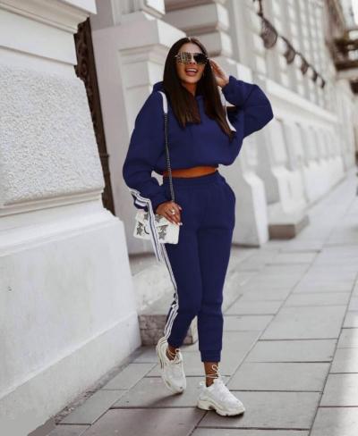 Спортивний костюм жіночий з лампасами джинсовий SKL11-280454