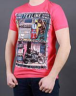 Полуприталенная мужская футболка с надписями