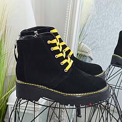 Черевики жіночі замшеві чорні на шнурівці