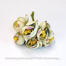 Квіти з тканини двоколірний з тичинками, уп. 60 шт. Білі