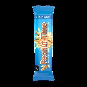 Протеиновый батончик QNT Peanut Time Bar 60 грамм Карамель арахис