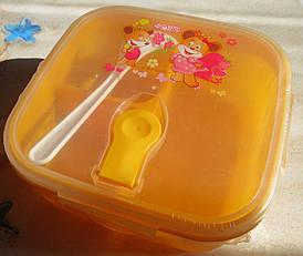 Ланч-бокс дитячий пластиковий на 3 відділення з ложечкою, жовтий