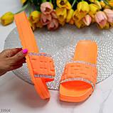 Женские шлепанцы яркие оранжевые со стразами дайвинг, фото 2
