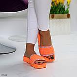 Женские шлепанцы яркие оранжевые со стразами дайвинг, фото 4