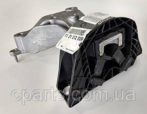 Подушка двигуна права Renault Dokker 1.6 8V (оригінал)
