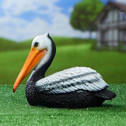 Садові фігури пелікани