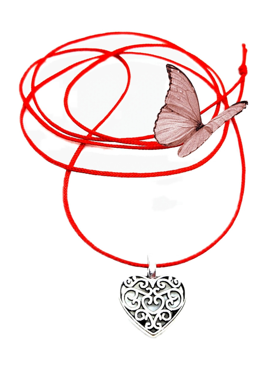 Амулет-кулон Сердечко на красной нити, под серебро, унисекс.