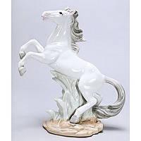 Лошадь фарфоровая