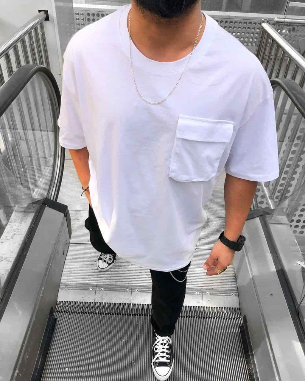 Мужская футболка белого цвета однотонная