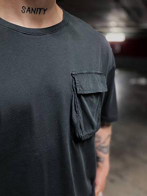 Мужская футболка удлиненная черная с накладным карманом, фото 2