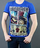 Синяя футболка с ободком на рукавах