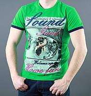 Зеленая футболка с коротким рукавом