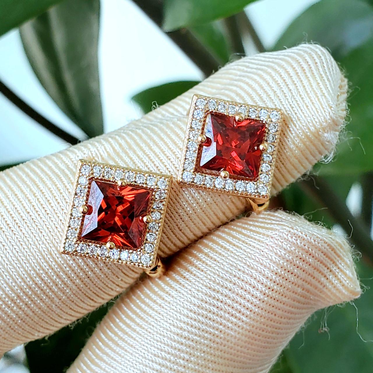 Сережки Xuping медзолото позолота 18К ромб 1.3 см червоний і білий цирконій с889