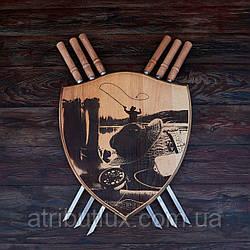 """Деревянный настенный щит с шампурами """"Рыбак"""""""