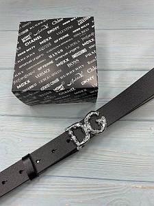 Черный женский кожаный ремень Дольче Габбана реплика с серебристой пряжкой