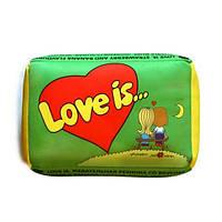 Подушка love (зелена)
