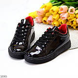 Женские кроссовки черные с красным эко лак, фото 3