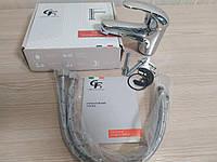 Однорычажный смеситель для умывальника (раковины) литой GF Italy низкий хром