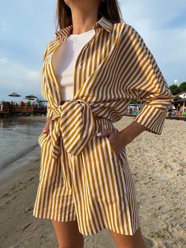 Летний льняной костюм с шортами и рубашкой