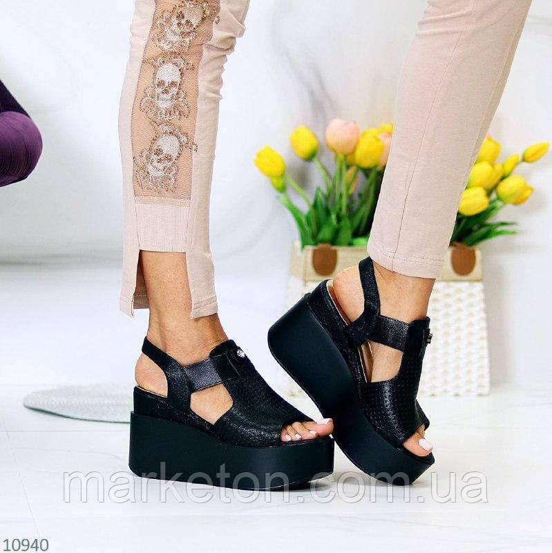 """Жіночі стильні босоніжки на платформі Чорні """"Mindi"""""""