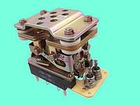 Реле промежуточное РПМ-33 В-1 127 В. 50 Гц.