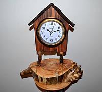 """Часы из дерева настольные """"Избушка"""""""