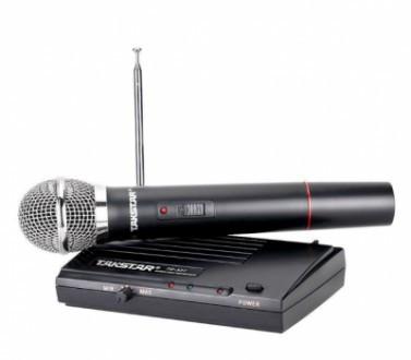 Одноканальная VHF радиосистема с одним ручным динамическим микрофоном TAKSTAR TS 331 черная(MD-11222)