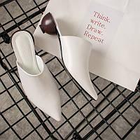 Білі шкіряні мюли на геометричному підборах, фото 1