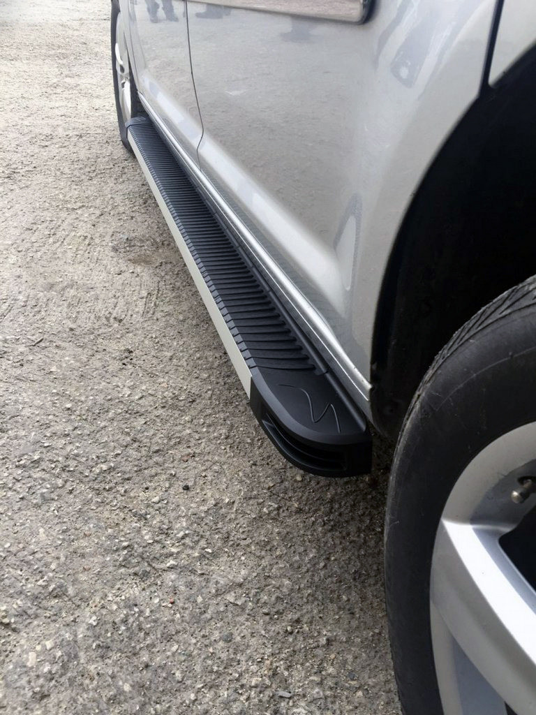 Боковые пороги Maya V1 (2 шт., алюм.) для Volkswagen Amarok