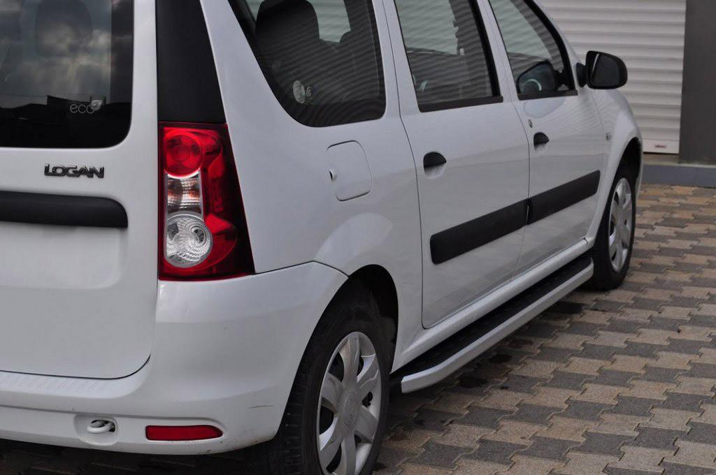 Бокові пороги Fullmond (2 шт., алюм.) для Dacia Logan MCV (2008-2014)
