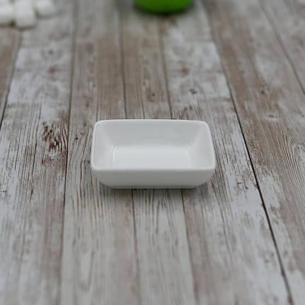 Блюдо для соевого соуса фарфор белый Wilmax 80х60 мм емкость для подачи роллов посуда для сервировки в кафе, фото 2