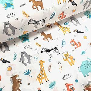 Бавовняна тканина Польська, тварини різнокольорові з паперовими літачками і листочками на білому