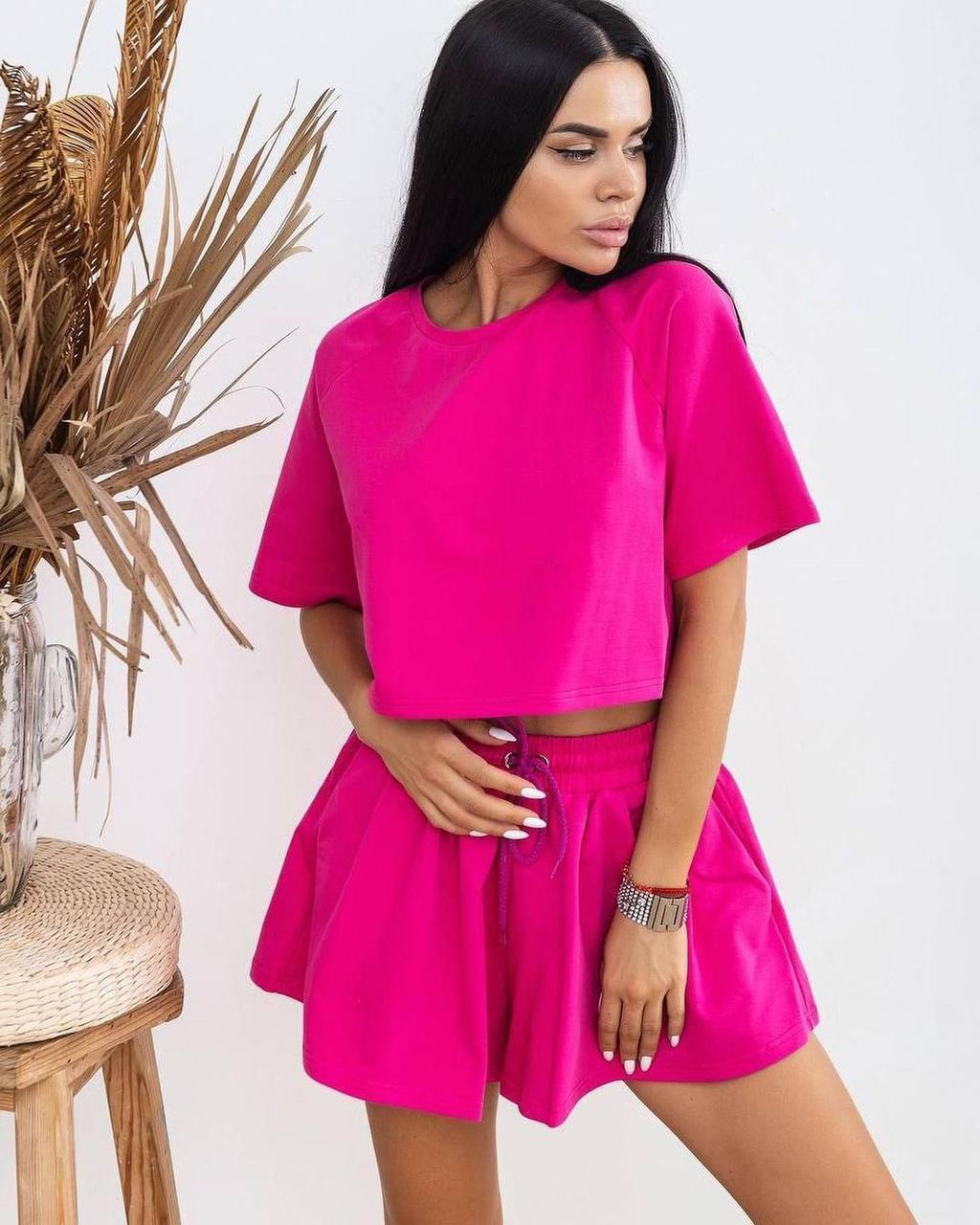 Жіночий літній костюм-двійка з двуніткі топ і шорти