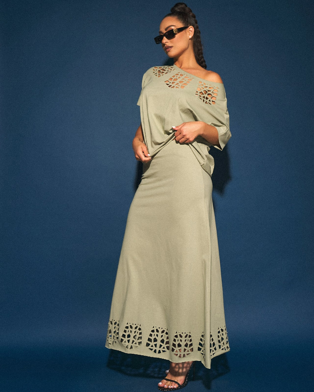 Літній трикотажний жіночий костюм двійка з перфорацією: футболка і довга спідниця максі, батал великі розміри