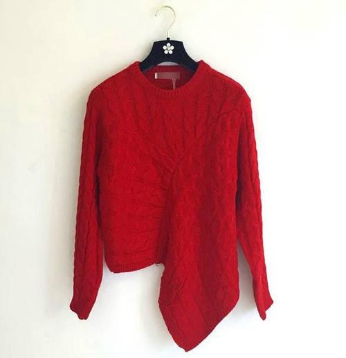 Теплый оригинальный свитер