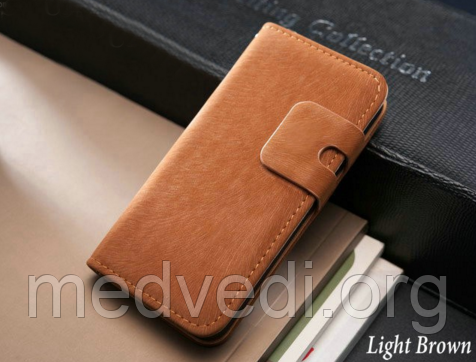 Коричневый чехол на iphone 5/5S из эко-кожи