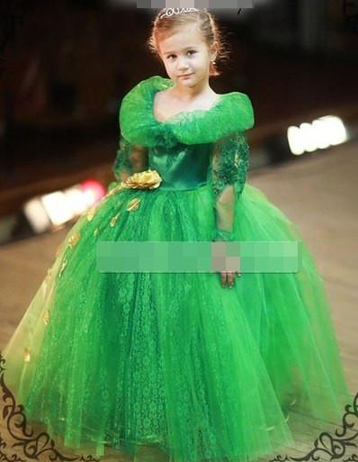 Дитяче красиве яскраве плаття з пишною спідницею