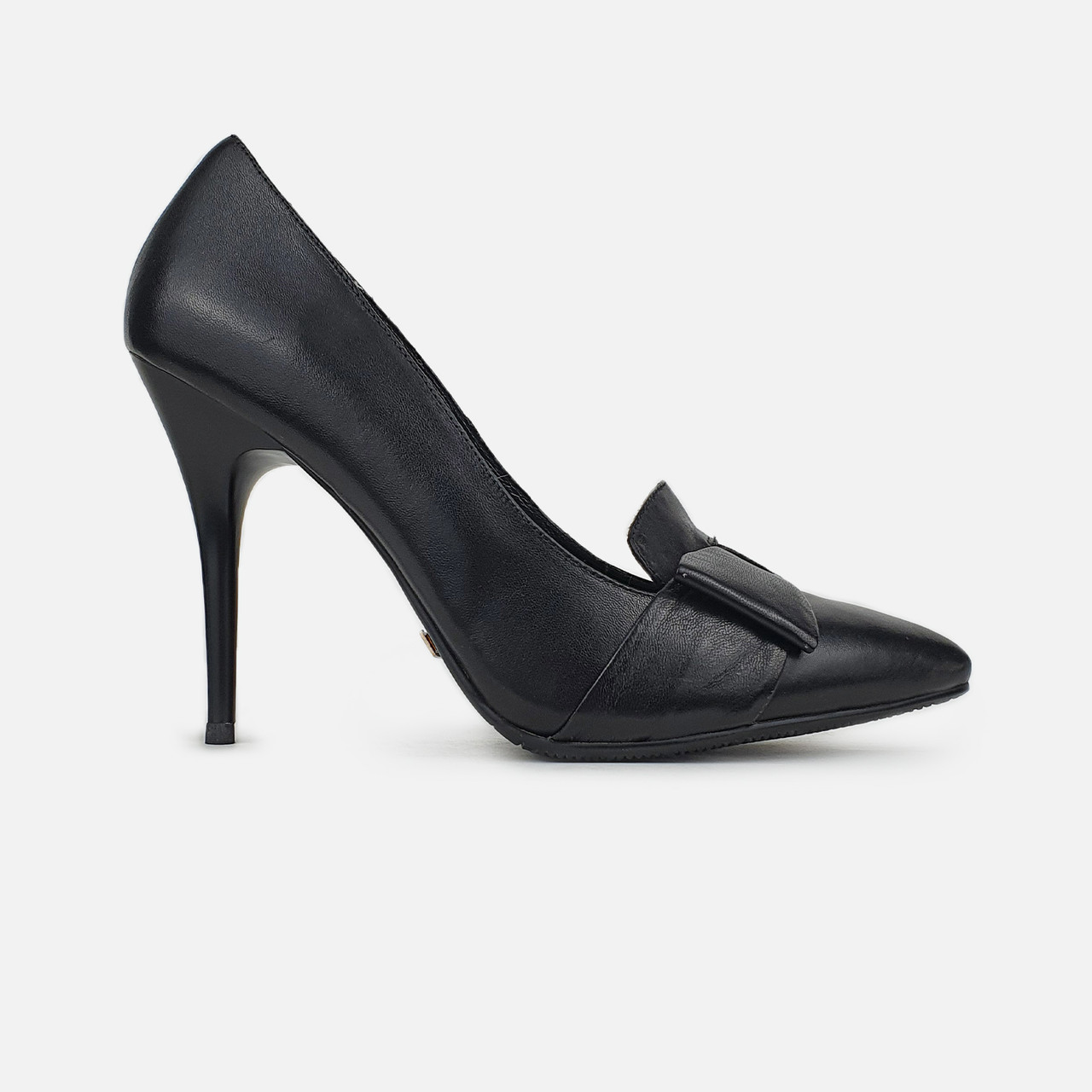Лоферы женские весенние на высоком каблуке кожаные