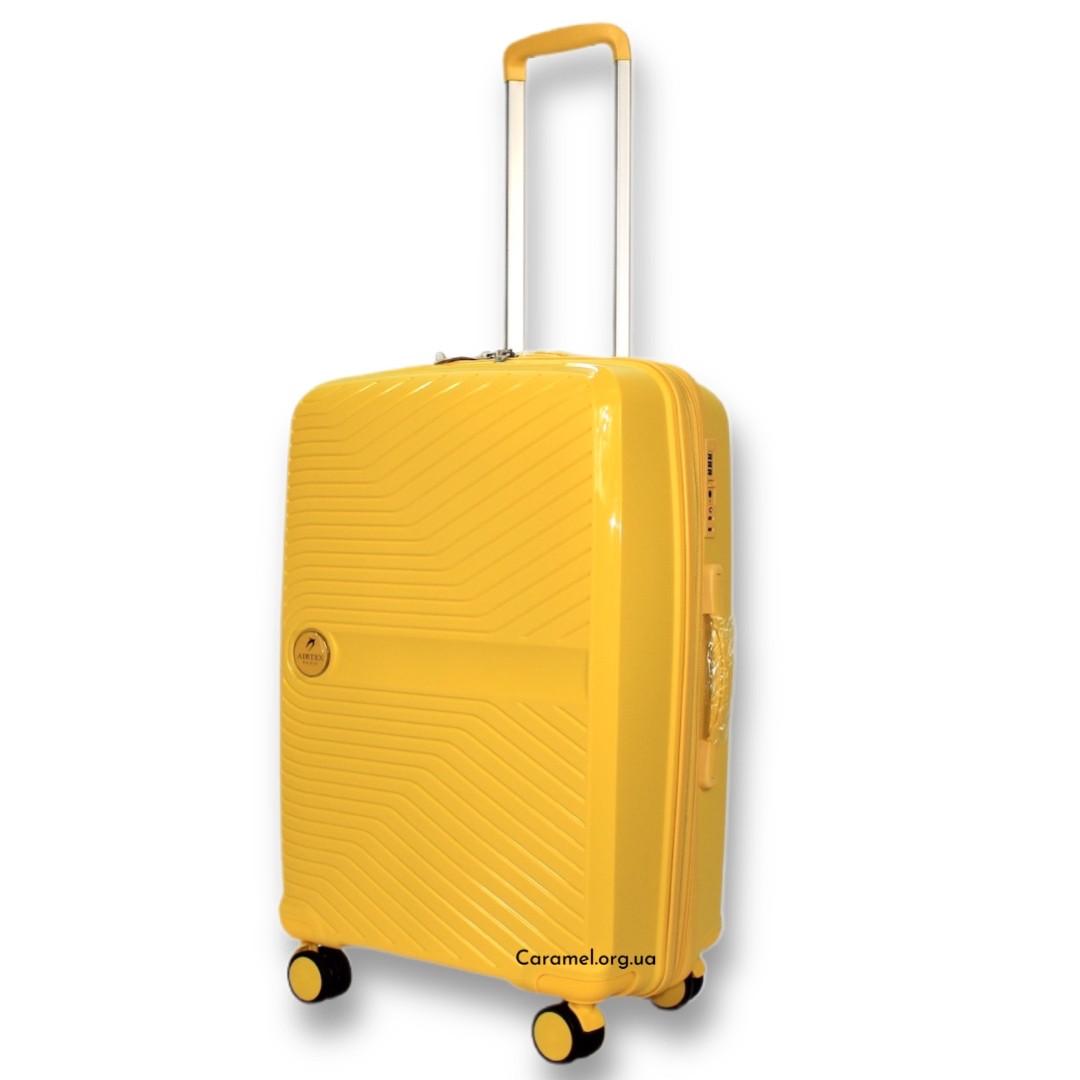 Чемодан полипропиленовый на 4х колесах средний M желтый   27х65х44 см   3.400 кг   75 л   AIRTEX 280