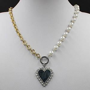 Жіноче кольє CHANEL колір золото довга ланцюжок 55 см з перлами і кулонам у вигляді серця чорного кольору