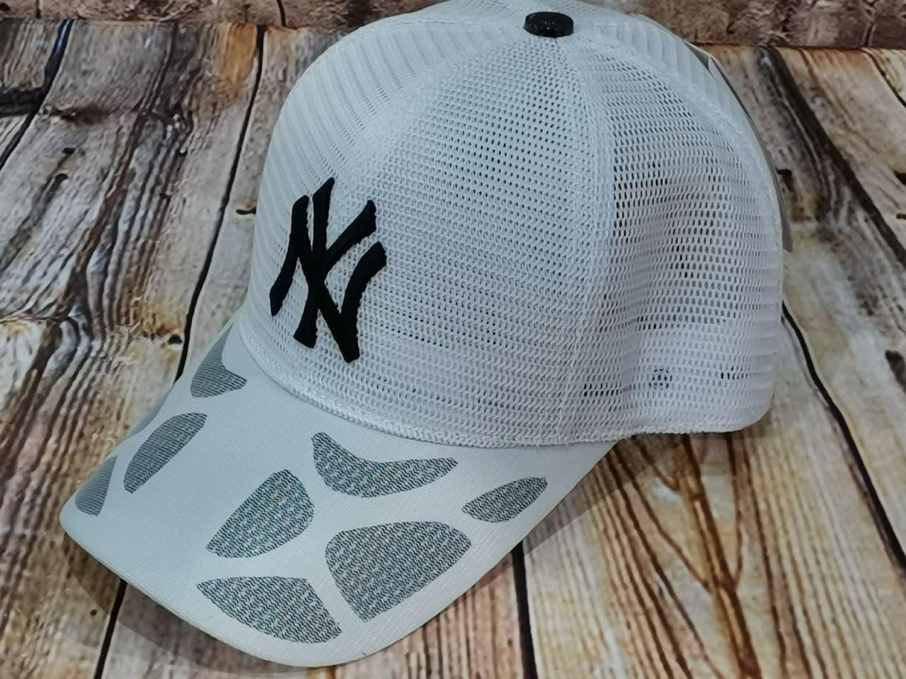Жіноча бейсболка з сіткою нью йорк чорний логотип
