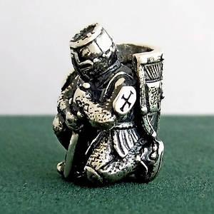 Серебряная бусина Рыцарь Крестоносец подвеска из серебра 925 пробы