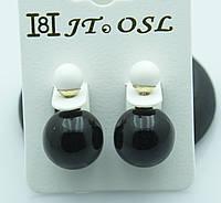 Современные чёрно белые серьги пуссеты. Эксклюзивная бижутерия от RRR. 304