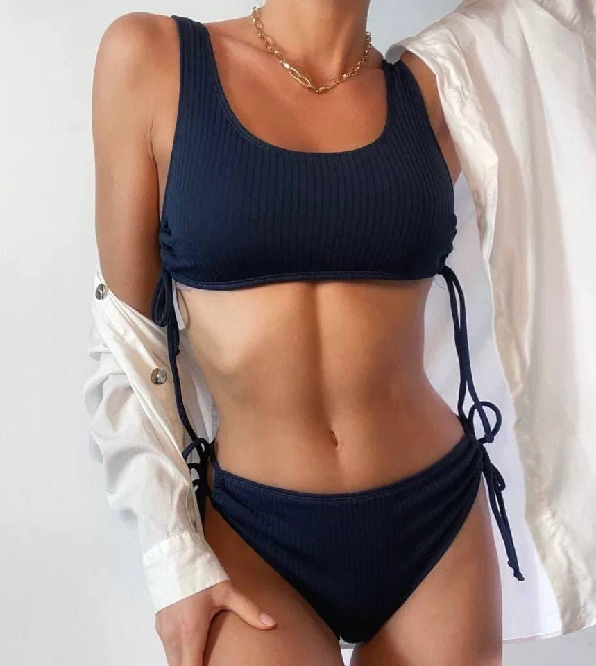 Женский раздельный купальник в рубчик с топом на шнуровке темно-синий