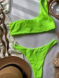 Жіночий роздільний купальник бандо на одне плече салатовий, фото 6