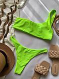 Жіночий роздільний купальник бандо на одне плече салатовий, фото 7