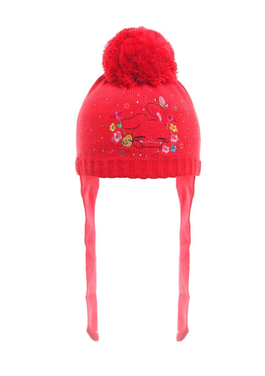 Красная красивая теплая детская шапочка с помпоном.